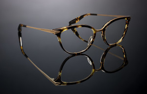 Barton_Perreira_Eye_Department_Goose_Hollow_Portland_MARY-JANE_HEROINE-CHIC-BRUSHED-GOLD_ZYL-TITANIUM